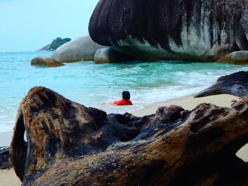 Pantai di Pulau Kepayang