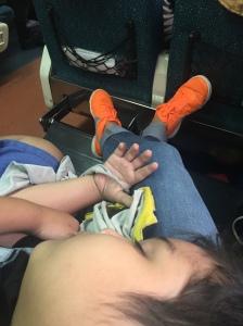 tidur di kereta